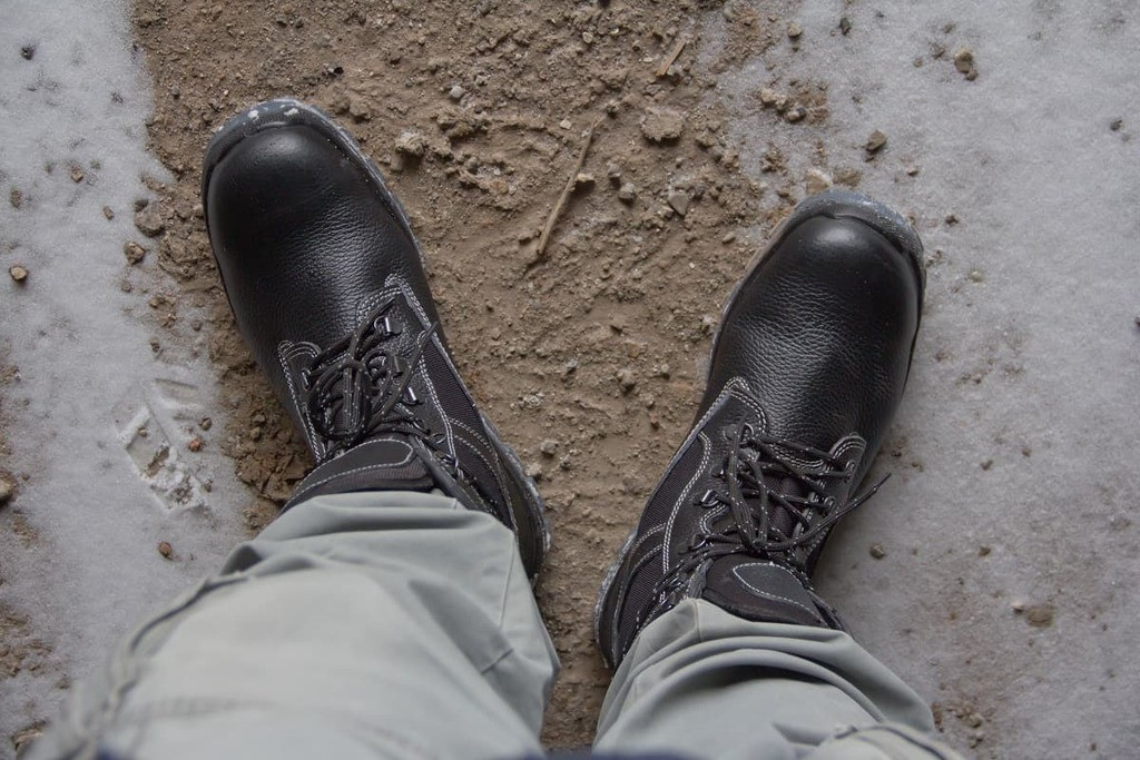 How to Keep Feet from Sweating in Work Boots - bootjunkies.net